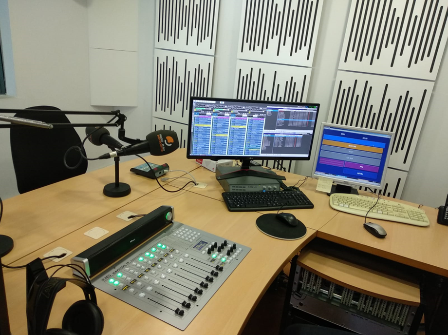 SAN VICENTE RADIO GOES DIGITAL WITH AEQ CAPITOL IP